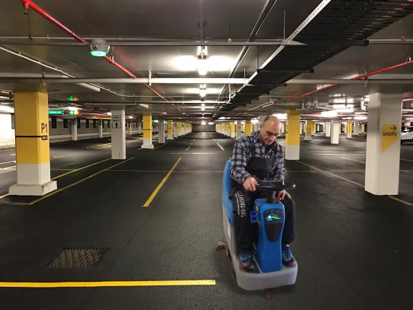 Почистване на паркинги и гаражи